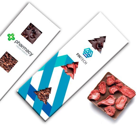Kolekcia čokolád s okienkami a posypom s logom