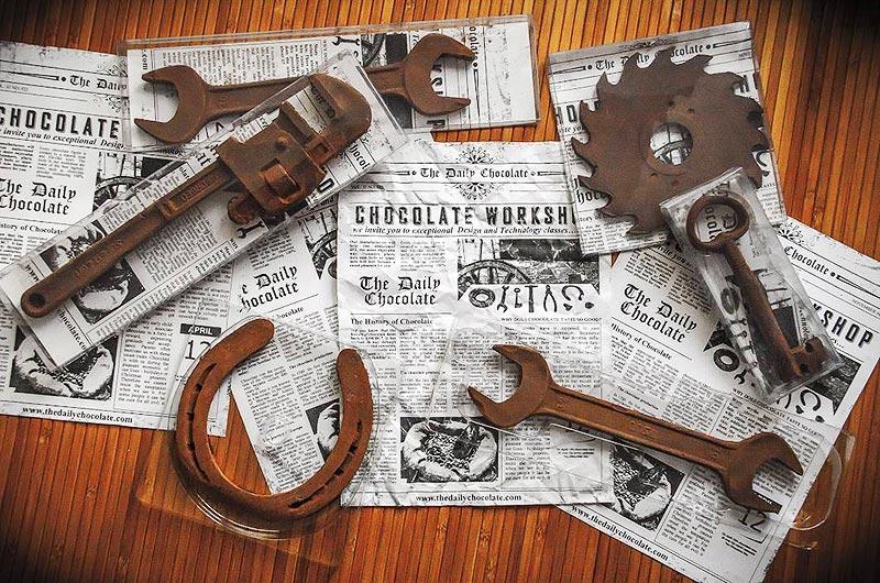 Čokoládové náradie. Výberová čokoláda s vašim logom. Čokoládové reklamné predmety